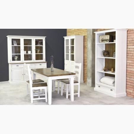 Kockás székek és dió asztal